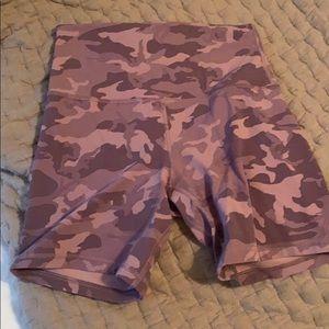 """Lululemon align 6"""" shorts"""